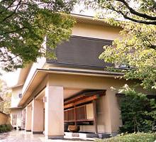 福岡市の料亭「桜坂 観山荘」